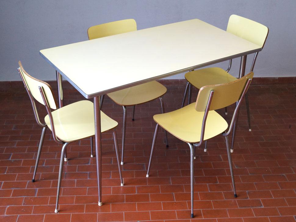 Tavolo Formica Giallo : Set tavolo e sedie in formica th century design