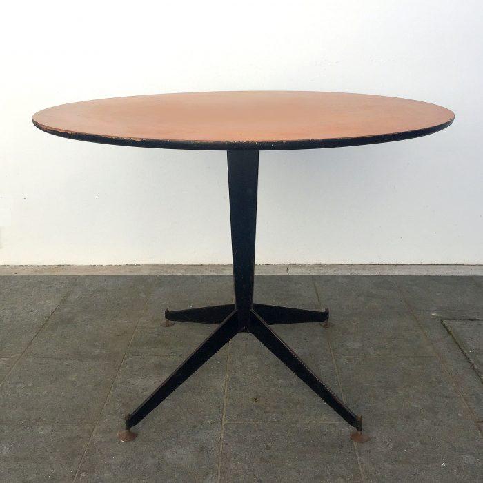Simple tavolo anniu u stile ignazio gardella azucena with for Tavoli di design famosi